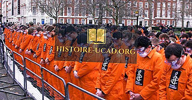 ¿Cuántos reclusos hay en la bahía de Guantánamo?