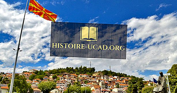 Katere jezike govorijo v Makedoniji?