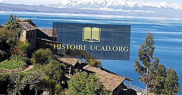Lacul Titicaca, America de Sud