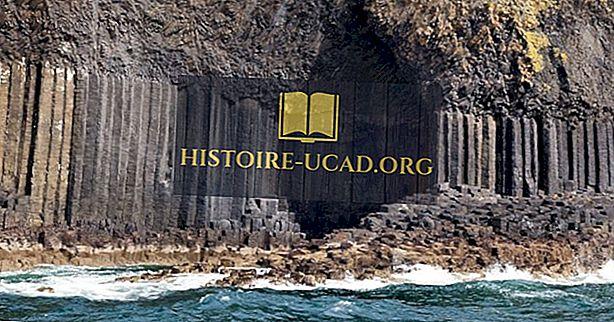 cestovat - Fingal je jeskyně, Skotsko - jedinečná místa po celém světě