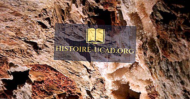 Jewel Cave National Monument - unikālās vietas Ziemeļamerikā